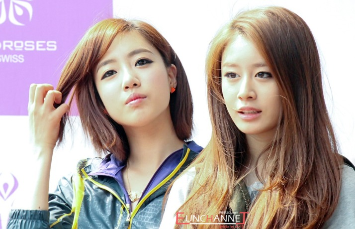 Eunjung & Jiyeon at Fan Sign Event in May 26 (WIldrose)