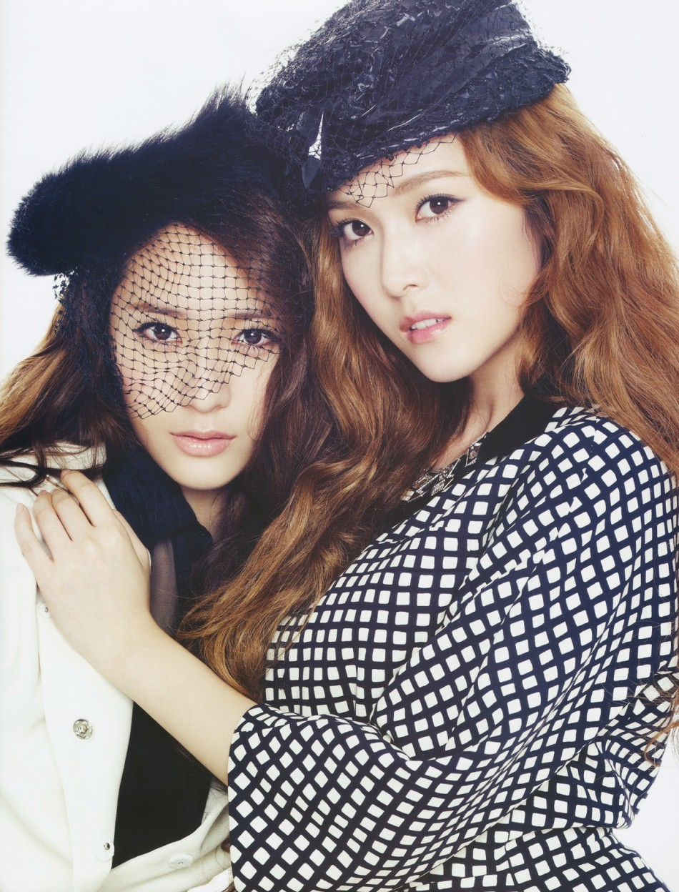 [Photos] Jung Sisters (Krystal,Jessica) on Marie Claire ... F(x) Krystal And Jessica