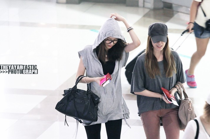 [Photo] 12.08.12 Yoona & Jessica at Gimpo Airport