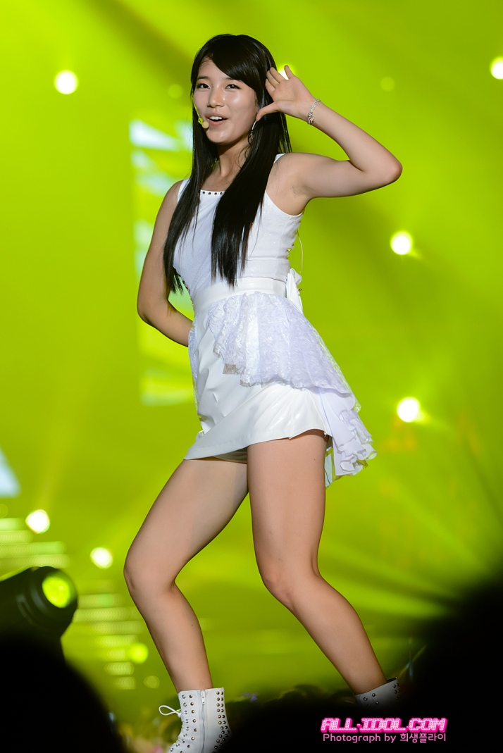 [Photo] 120804 Suzy performance in JYP Nation