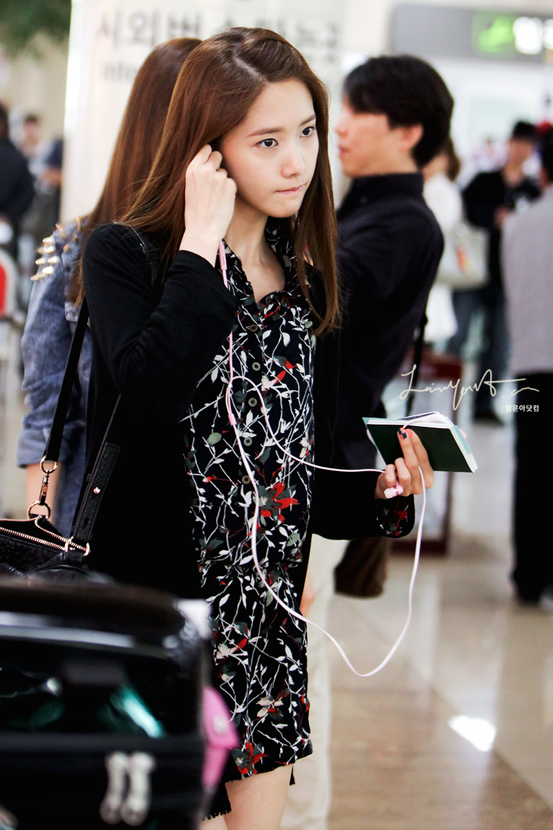 [Photos] 120926 Yoona at Gimpo Airport Part 1/2 | yoontaeyeon