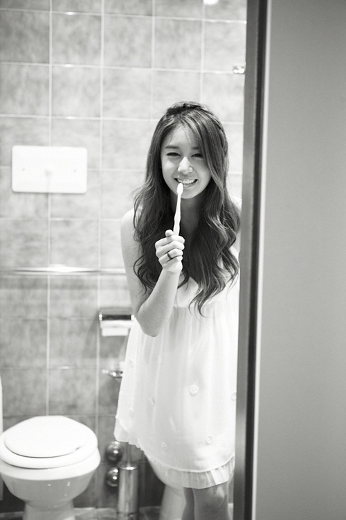 [Photo] Jiyeon with toothbrush showing dorky face - Aug,2012