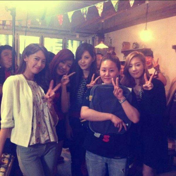 [Photo] Yoona with Tiffany,Seohyun & Taeyeon in Love Rain Set