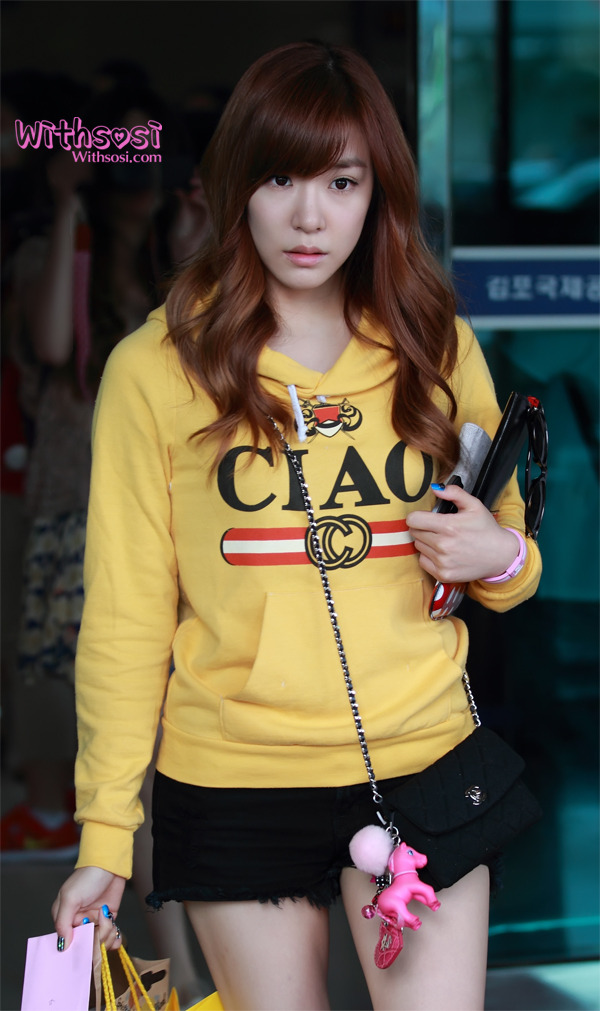 [Photo] 2012.09.14 Tiffany at Airport