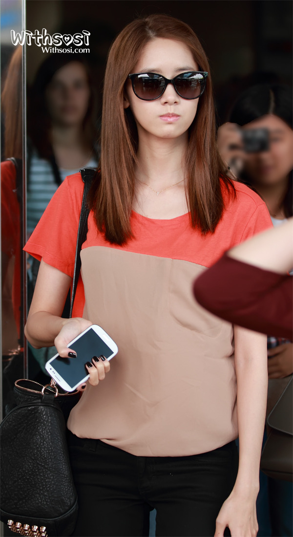 [Photo] 2012.09.14 Yoona at Airport