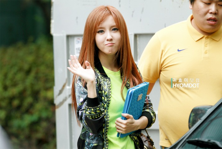 [Photo] 2012.09.14 Hyomin back from KBS Music Bank Pre-Recording