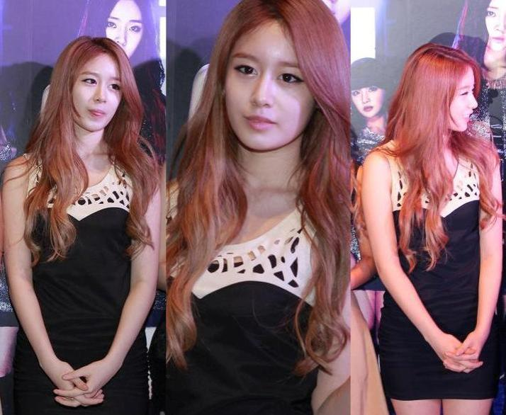 [Photo] 120917 Jiyeon at HK Showcase