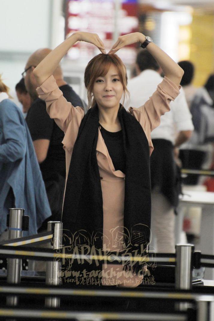 [Photo] 120919 Hyomin at Hong Kong International Airport