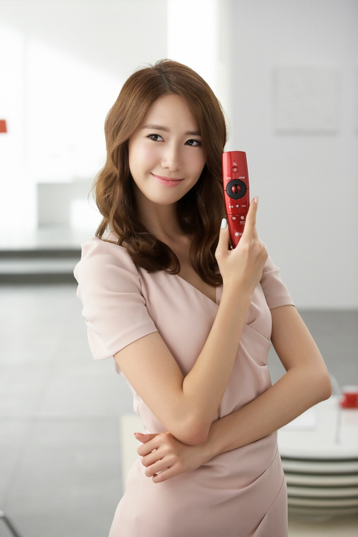 [Photo] 120926 Yoona at LG Cinema 3D Smart TV