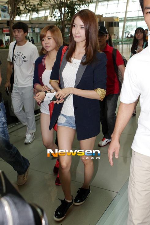 [Photos] 120921 SNSD (Yoona,Yuri,Jessica,Seohyun) at Incheon Airport (to Jakarta)