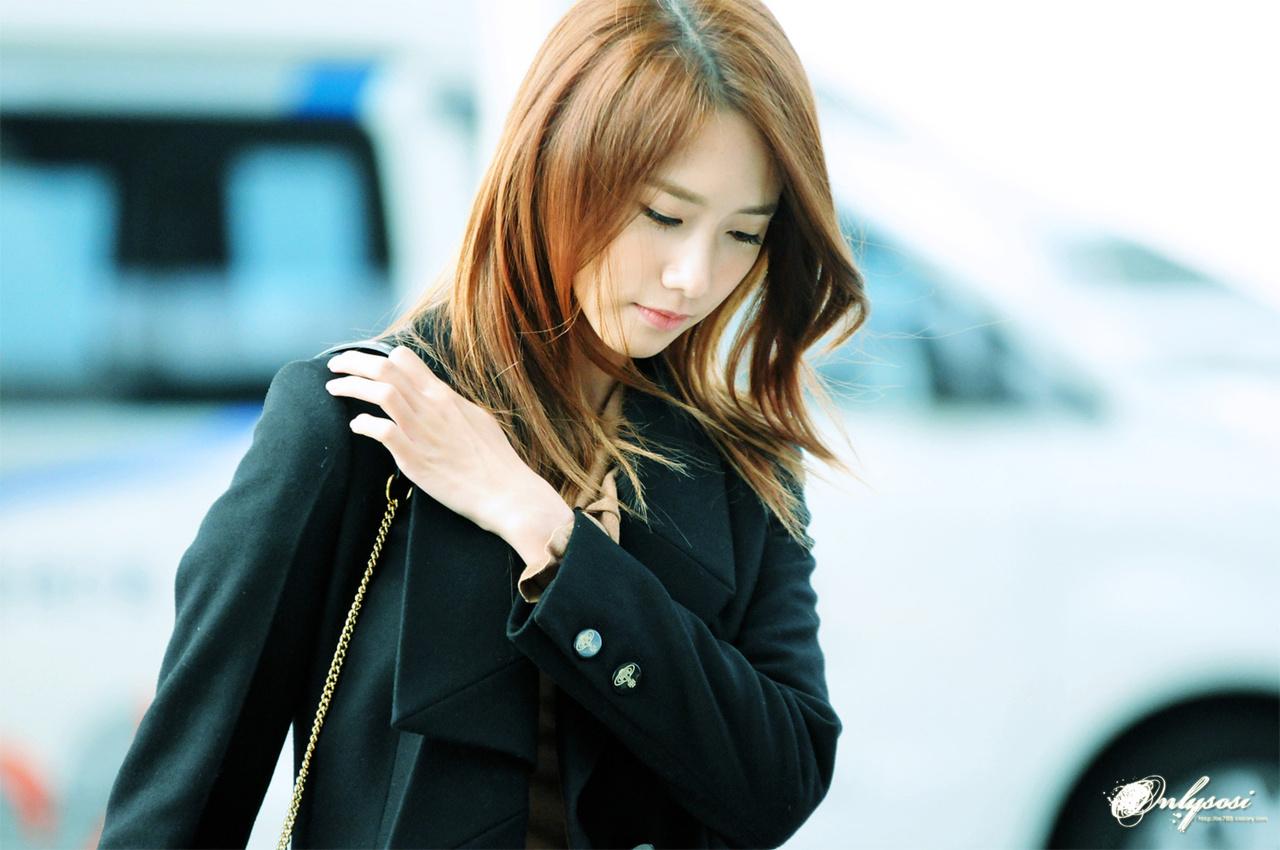 [PHOTOS] 121031 Yoona at Incheon Airport Part 1/2 ...