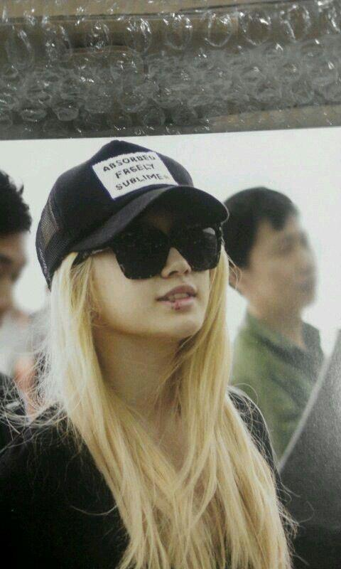[Photo] Blonde Jiyeon at Airport