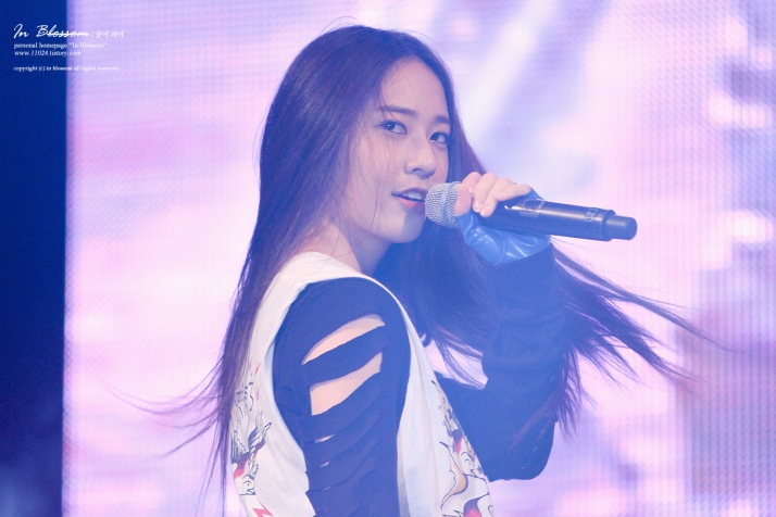 [Photo] Krystal at Yonsei university