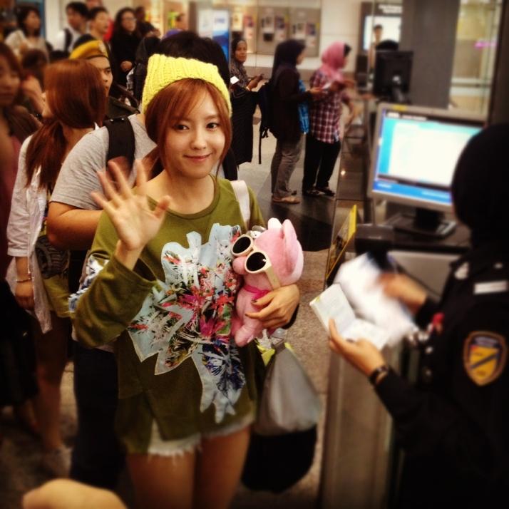 [Photo] 121004 Hyomin at Malaysian Airport