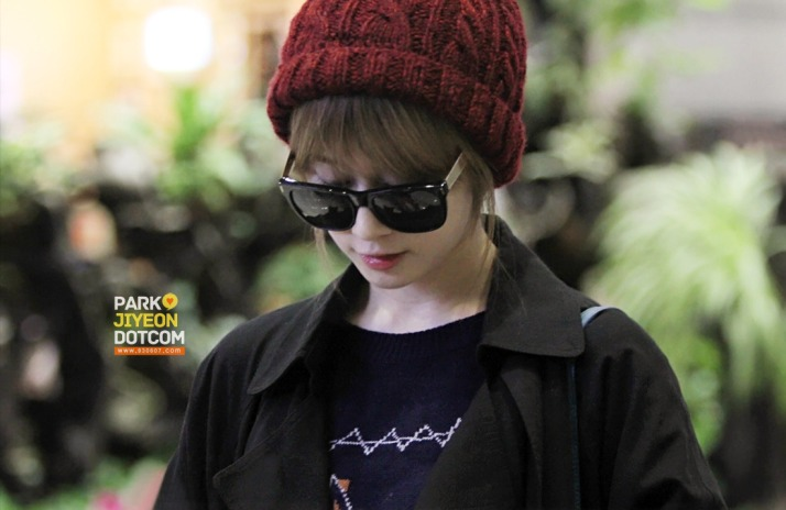 [PHOTO] 121119 Jiyeon at Gimpo Airport