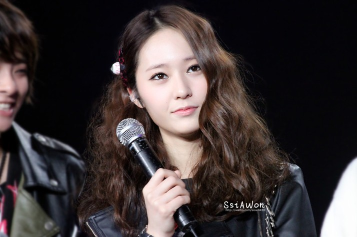 [PHOTO] 121222 Krystal at Sichuan TV New Year's Eve Concert