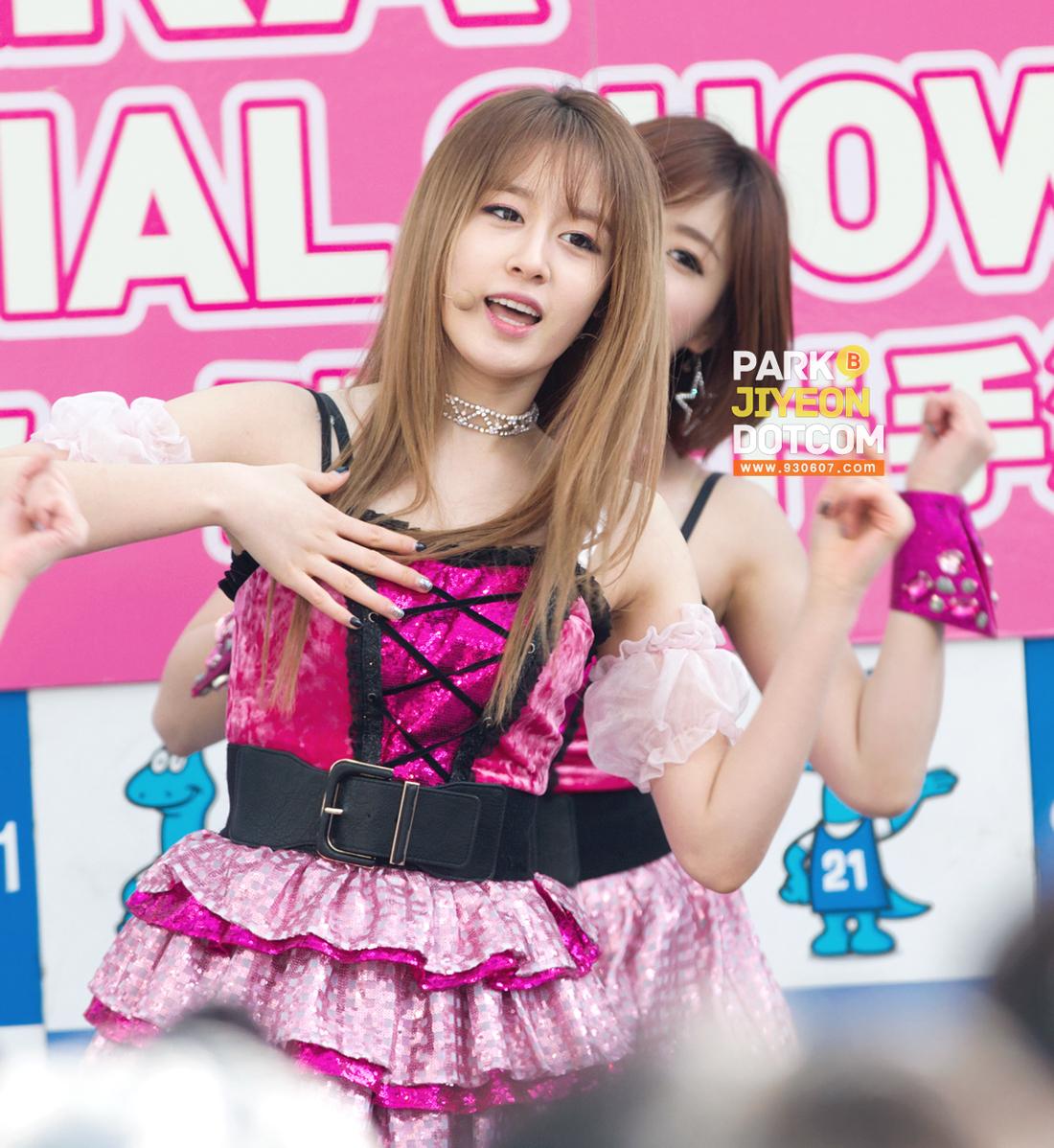 TARA ティアラ  Bunny Style Dance Ver
